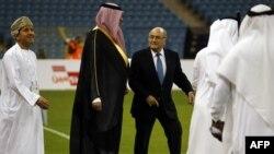 Ёзаф Блатэр на стадыёне ў Катары
