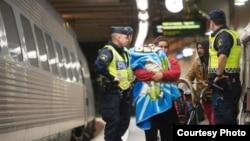 Шукачі притулку із Сирії на вокзалі Стокгольма