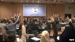 محمود المشهدانی، رییس پارلمان عراق، گفت که توافقنامه امنیتی با «اکثریت قاطع» به تصویب رسیده است. (عکس: epa)