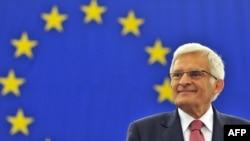 France --New European Parliament President Polish Jerzy Buzek delivers a speech during the opening session at the European Parliament in Strasbourg, 14Jul2009