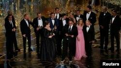 Spotlight ֆիլմի պրոդյուսեր Մայքլ Սուգարին ստանում է «Օսկար» մրցանակը, Հոլիվուդ, Լոս Անջելես, 28-ը փետրվարի, 2016թ.