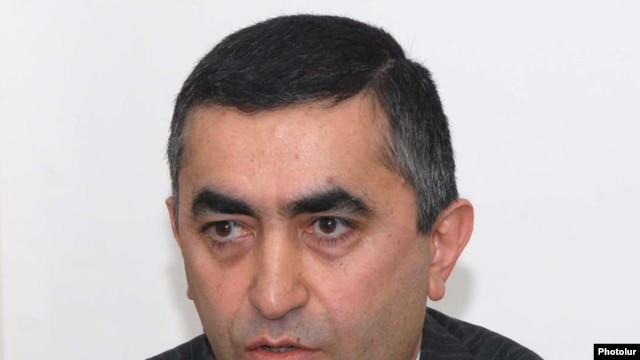 Armenia -- Armen Rustamian, a leader of the Armenian Revolutionary Federation, at a news conference on October 23, 2009.