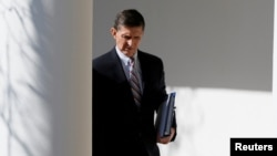 تصمیم مایکل فلین (در تصویر) برای شرکتنکردن در جلسه سنا، در نامهای به تاریخ اول خرداد به اطلاع کنگره رسیدهاست
