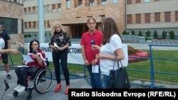 """Скопје- протест пред Собранието под мотото """"Имам право на достоинствен живот"""""""