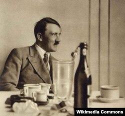 Adolf Gitler