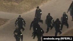 27 март куни Минск марказидаги кўчаларни полиция қуршаб олди.