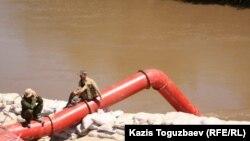 Водопровод для закачки воды в Восточно-Казахстанской области. Иллюстративное фото.