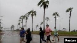 Uragani Harvey në perifeti të qytetit Korpus Kristi