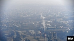 Архивска фотографија. Главниот град Скопје во услови на високо ниво за аерозагадување. Проценките според научните студии се дека во земјава годишно има од 1.300 до 3.000 случаи на предвремена смрт кои се поврзани со загадениот воздух.