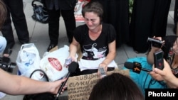 Armenia - Shamiram Mikaelian, the mother of an arrested soldier, on hunger strike outside a government building in Yerevan, 28Jun2012.