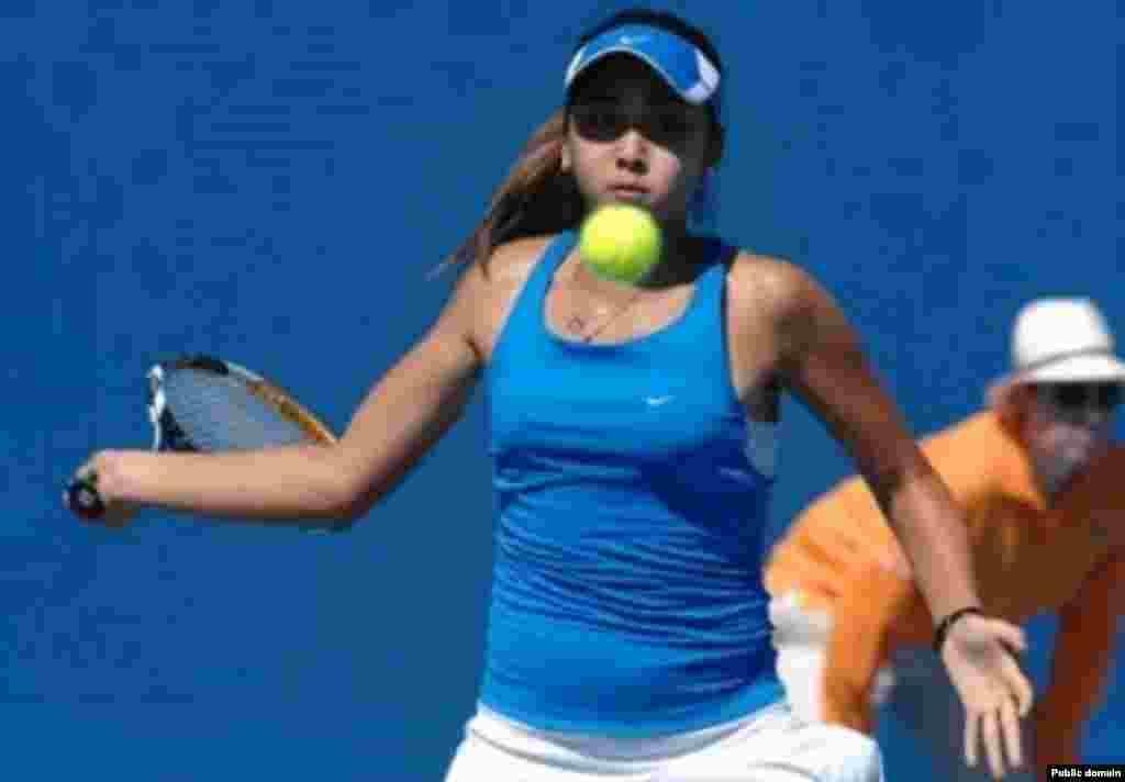 Казахстанская теннисистка 20-летняя Зарина Дияс вошла в число 40 сильнейших теннисисток планеты, сообщает в понедельник официальный сайт WTA (Женской теннисной ассоциации). Возглавляет рейтинг одиночного разряда по-прежнему американка Серена Вильямс, второй идет румынка Симона Халеп, на третье место поднялась с четвертой позиции чешка Петра Квитова.