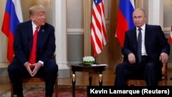 Финлянди -- Iамеркан Цхьаьнатоьхначу Штатийн а, Оьрсийчоьнан а президенташ Трамп Доналд а, Путин Владимир а цхьаьнакхетта ХIелсинкехь. 16 Товб.2018.