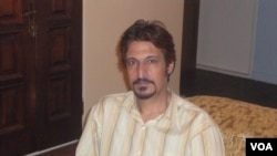 حشمتالله طبرزدی که دیماه ۱۳۸۸ بازداشت شده بود٬ دیماه سال ۱۳۹۱ به مرخصی آمد.
