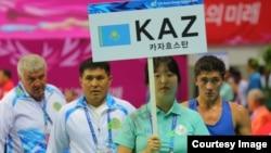 Казахстанская команда на церемонии на Азиатских играх. Инчхон, 3 октября 2014 года.