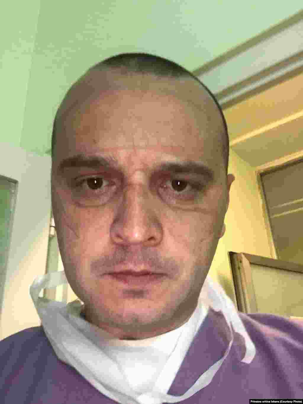 Doktor Saša Ristić na pauzi između smena, COVID bolnica Kliničkog centra u Nišu.
