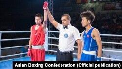Муктарбек Ибраимов, одолевший в 1/4 финала китайского боксера Йу Хаолонга. 4 августа 2017 г.