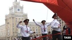 """В День города эстафета милиционеров - лишь отдельная дисциплина """"олимпиады"""" повышенных мер безопасности"""