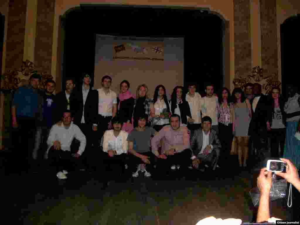 Тбилисинин Руставели театрындагы маданий иш-чарадан бир көрүнүш. 31.5.2011.