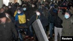 Під час штурму будівлі Вінницької ОДА, 25 січня 2014 року