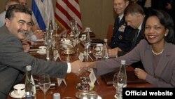 کاندولیزا رایس در دیدار با امیر پرتز، وزیر دفاع اسراییل