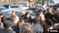 Борышкерлер Григорий Марченкомен кездесуді талап етті.