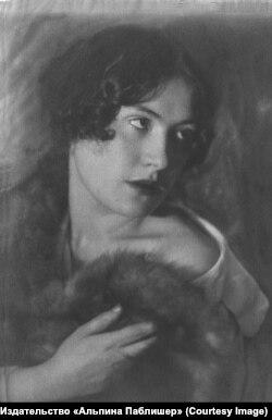 Екатерина Лившиц. Фотография Моисея Наппельбаума. 1920-е годы