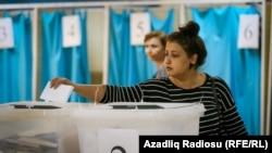 Азербайджан. Голосование на референдуме по изменению Конституции. Баку. 26.09.2016