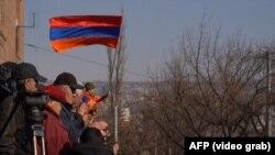 Армян өкмөт башчысы Н.Пашинянга каршы нааразылык жыйыны. Ереван. 2021-жылдын 27-февралы.