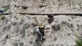 Leteće voće: Ručno pravljene žičare pomažu žetvu u Dagestanu