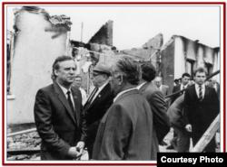 Голова Ради Міністрів СРСР Микола Рижков у місцях трагедії у Фергані
