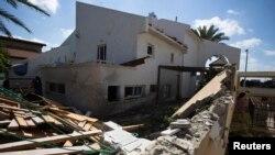 После взрыва палестинской ракеты в израильском городе Ашкелон (26 июля 2014 года)