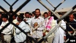 В'язні в Абу-Грейбі, архівне фото