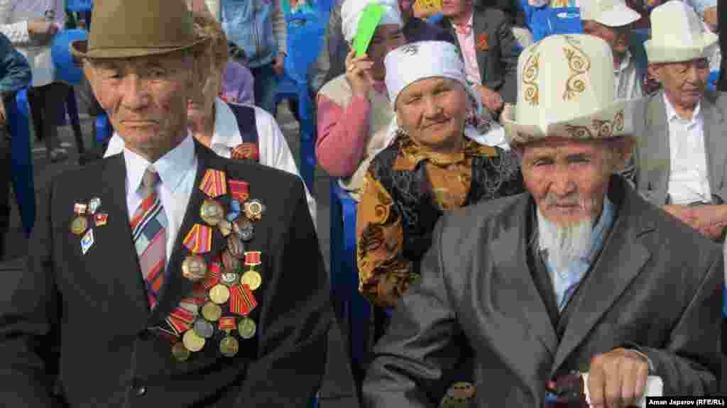 Kyrgyz veterans in Bishkek mark the 68th anniversary of the Soviet Union's triumph over Nazi Germany.