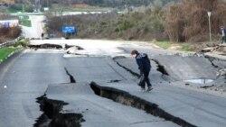 Севастополь падает в море