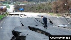 Трасса Севастополь-Бахчисарай-Симферополь разрушается из-за оползня, март 2017 год