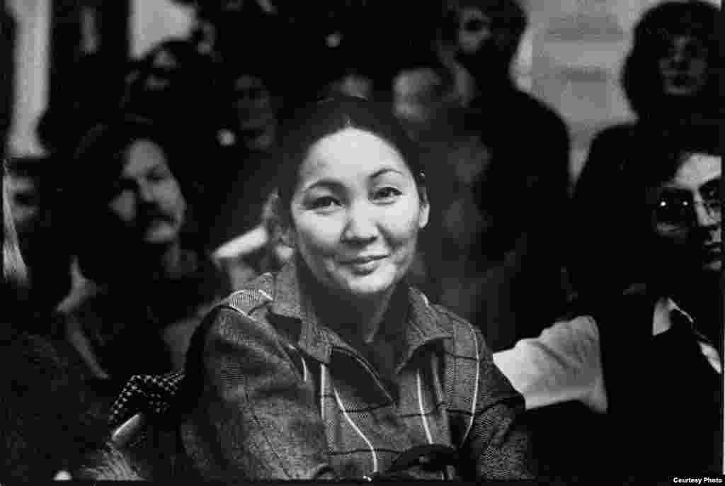 Мария Айтматова ВГИКти бүтүргөн, Кинематографисттер Союзуна караштуу Кино үйүндө сценарист болуп иштеген.