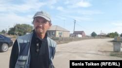 Ауыл тұрғыны Қайрат Меркалиев. Қабанбай батыр ауылы, Ақмола облысы. 3 қыркүйек 2016 жыл.