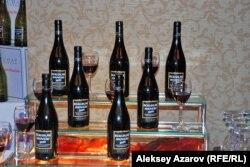 На празднике Божоле нуво пили такое вино. Алматы, 21 ноября 2014 года.
