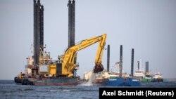 У будівництві газопроводу, який має пройти з Росії до Німеччини дном Балтійського моря, беруть участь, зокрема, компанії з Німеччини й Австрії