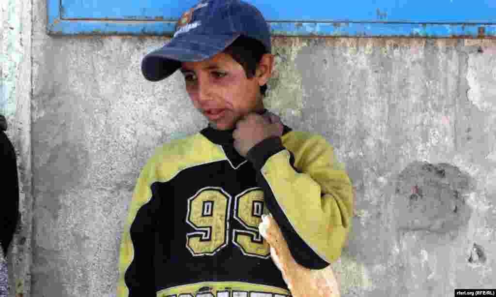 Afghanistan – Afghan road kids, 14May2012