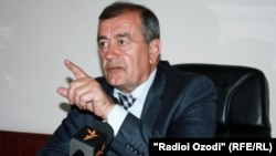 Амирқул Азимов, раиси кумитаи дифоъ ва амнияти парлумони Тоҷикистон.