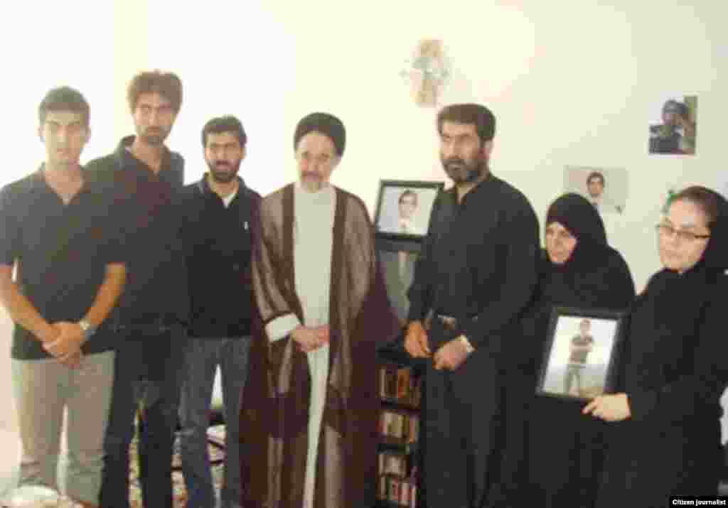 دیدار محمد خاتمی با خانواده مسعود هاشمزاده