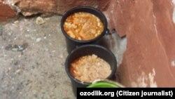 Остатки еды, приготовленной для воспитанников детского сада №1 в Ходжаабадском районе Андижанской области.