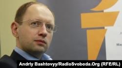 Яценюк: опозиції доведеться переформатовувати список кандидатів-мажоритарників