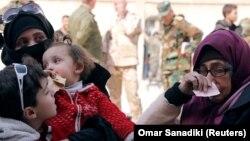 Цивили се евакуираат од сириската енклава источна Гута, која е под контрола на бунтовниците