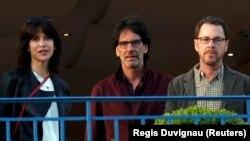 S lijeva na desno: glumica Sophie Marceau i režiseri Joel i Ethan Coen.