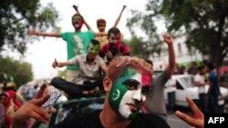 Поддржувачите на Имран Кан на протестите во Пакистан.