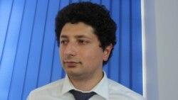 Valentina Ursu în dialog cu deputatl PAS Radu Marian