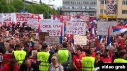 Sa provladinih protesta u Banjaluci, maj 2016.