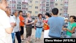 """Инициативная группа жителей микрорайона """"Бесоба"""". Караганда, 24 июля 2012 года."""